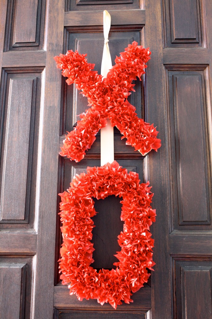Tissue Paper Valentine's Day Wreath by Designer Trapped in a Lawyer's Body {designertrapped.com}