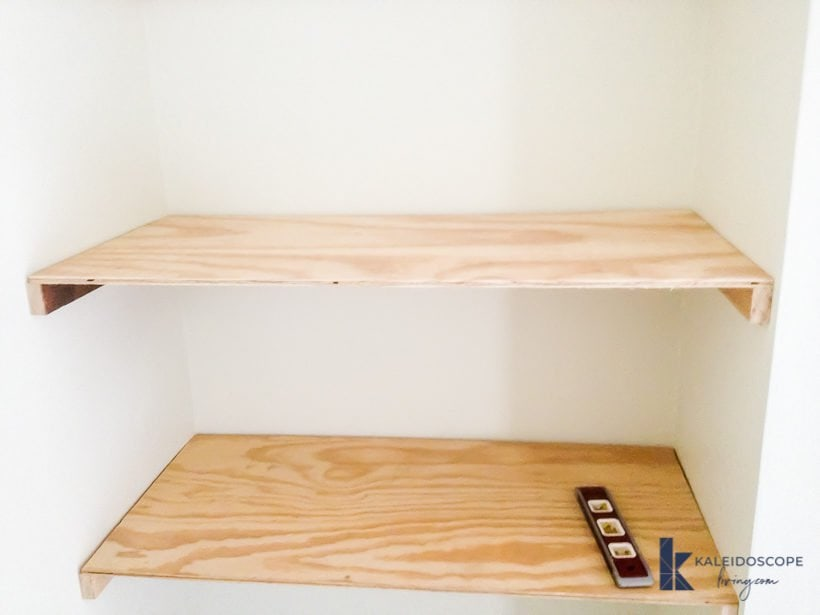 diy floating shelves 5 820x615