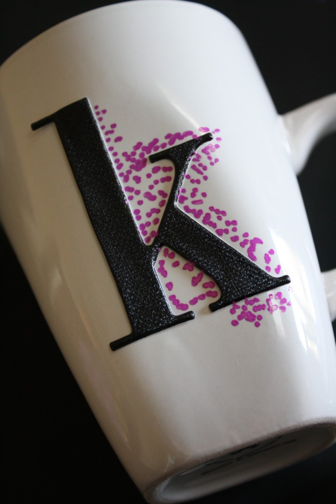 MUST PIN! Easy dotted Sharpie Mugs. Full tutorial by Designer trapped in a Lawyer's Body. #sharpiemugs
