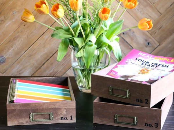 OMG, how cute are these DIY desk organizer trays? Such a great way to organize important papers. And these stacking trays look so easy to make. Totally adding this to my list.