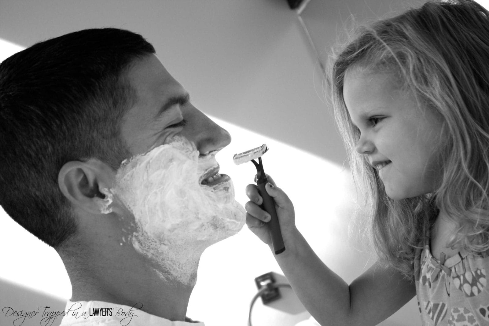 MUST PIN! Daddy Daughter Shaving Photos for Father's Day! By Designer Trapped in a Lawyer's Body for Tatertots & Jello. #fathersdayphotos