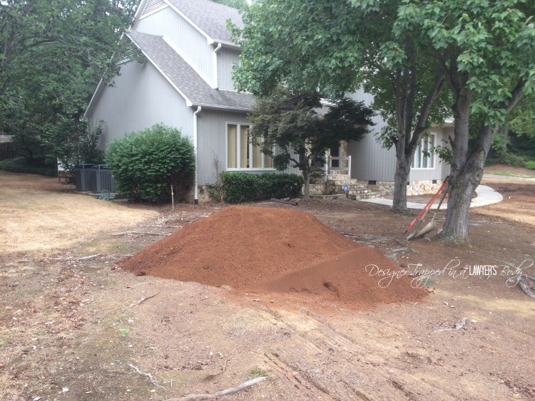 DIY front yard renovation by Designer Trapped in a Lawyer's Body.