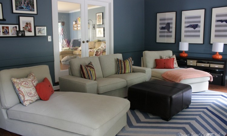 "See this blogger's plans for an inexpensive but high impact family room ""refresh""! / www.designertrapped.com"