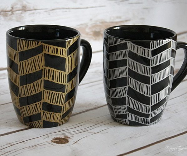 AWESOME! Learn how to make sharpie mugs with a chevron pattern. They are easy, affordable and make PERFECT GIFTS!