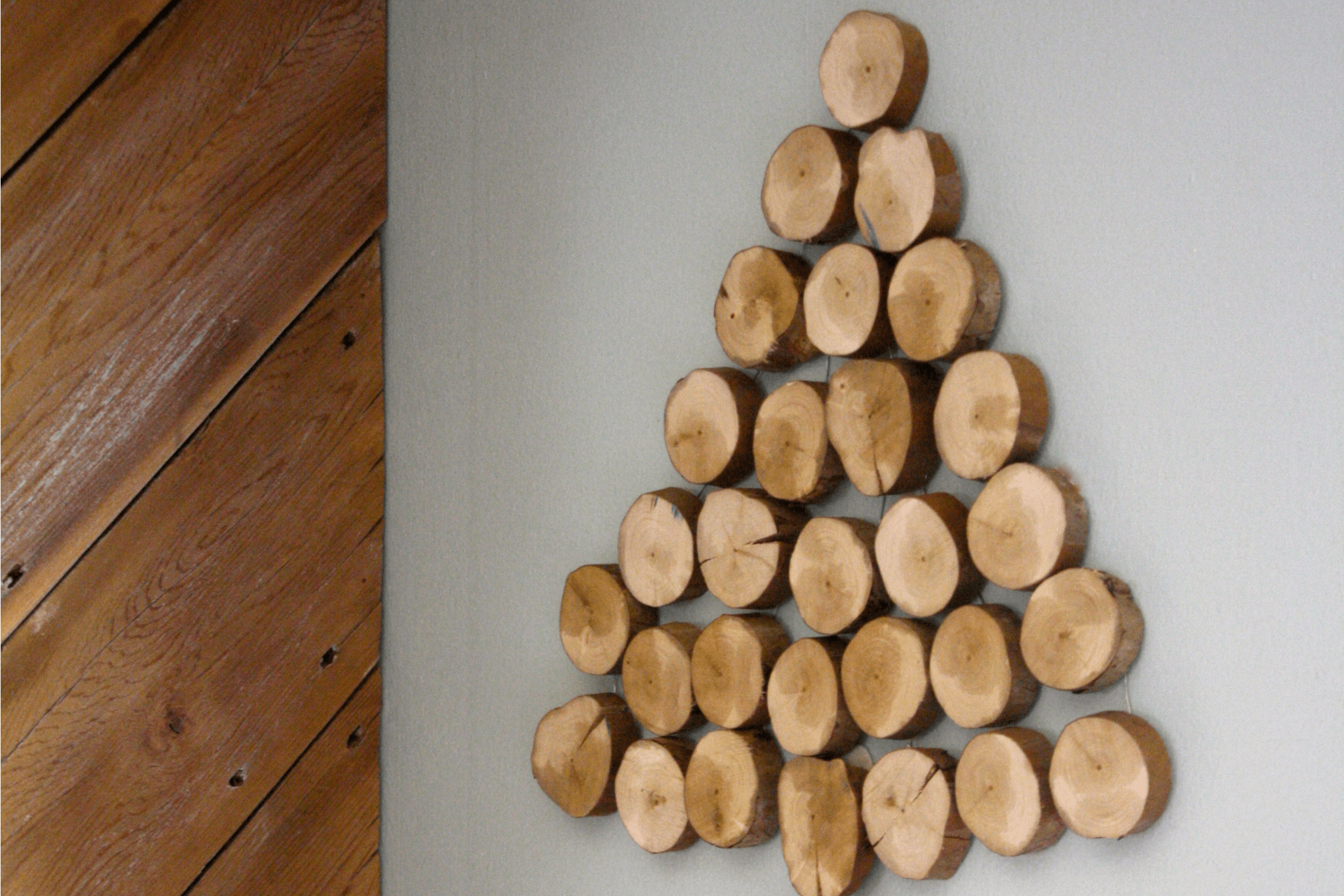 LOVE THIS! Do you love wood slice projects? If so, you will want to check out this DIY wood slice Christmas tree tutorial by Designer Trapped in a Lawyer's Body. So simple and lovely!