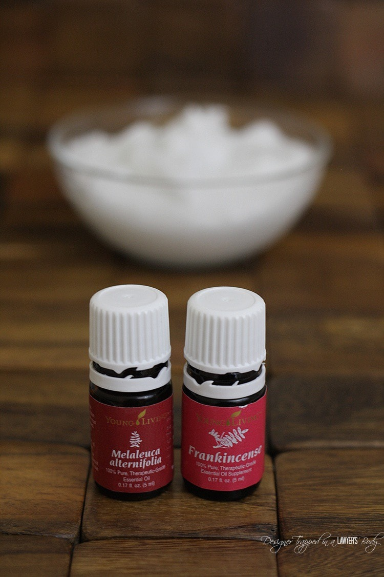 HOLY COW! This is awesome. Make your own DIY face moisturizer that is ALL NATURAL for a fraction of the price of what you are spending now. Full tutorial by Designer Trapped in a Lawyer's Body!