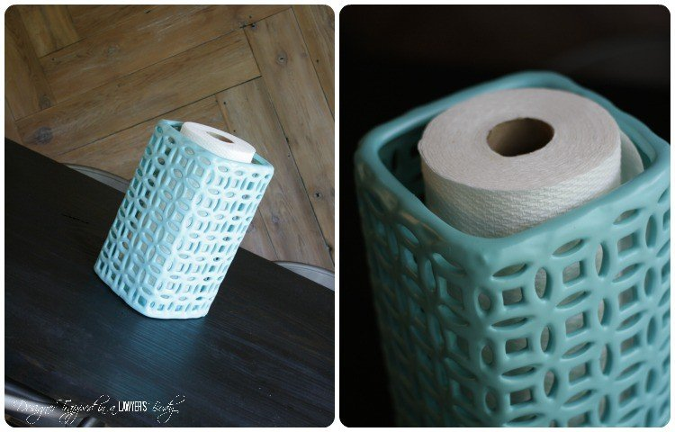THIS IS GENIUS! DIY paper towel holder from a vase. Why didn't I think of that?!