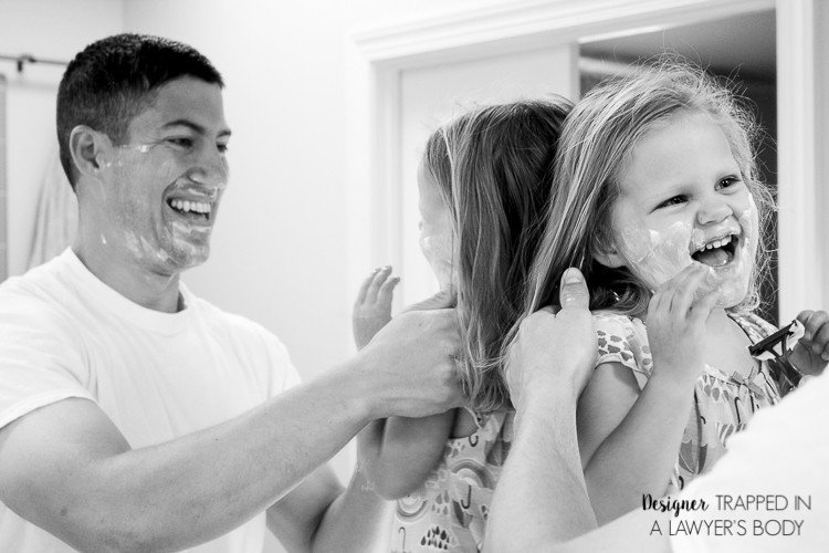 SO SWEET!!!! LOVE these ideas for special Father's Day pictures! What a perfect gift for a dad or granddad!
