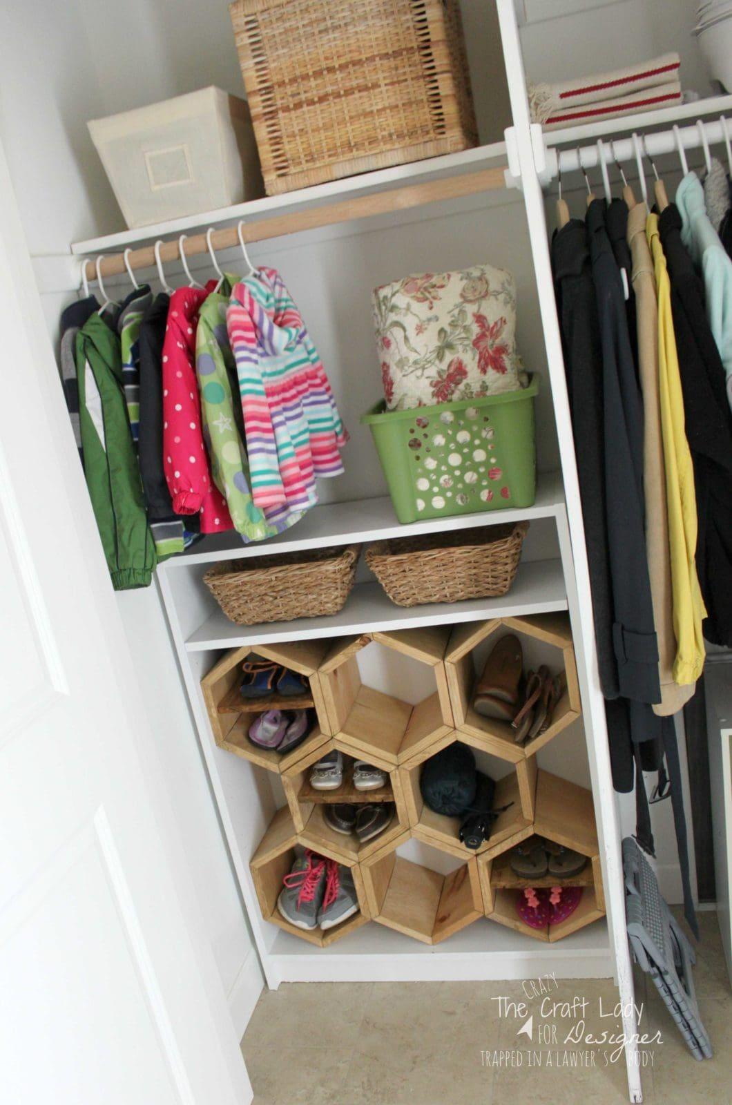 Hexagon diy shoe rack kaleidoscope living - Ideas para ordenar ...