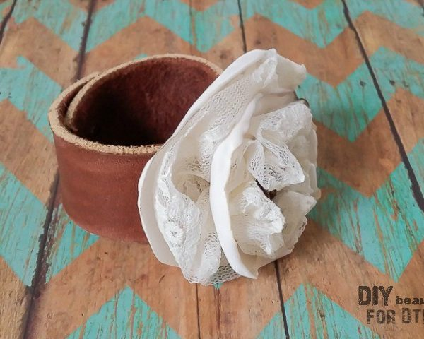 Come learn how to make a leather and lace bracelet following this tutorial by DIY beautify for Designer Trapped in a Lawyer's Body!