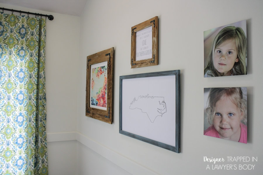 GET YOUR PHOTOS OFF YOUR COMPUTER AND ON YOUR WALL! Create an eclectic gallery wall with metal photo prints for an amazing look! Full details from Designer Trapped in a Lawyer's Body!