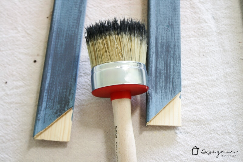 DIY Picture Frame--NO SAWING OR CUTTING REQUIRED