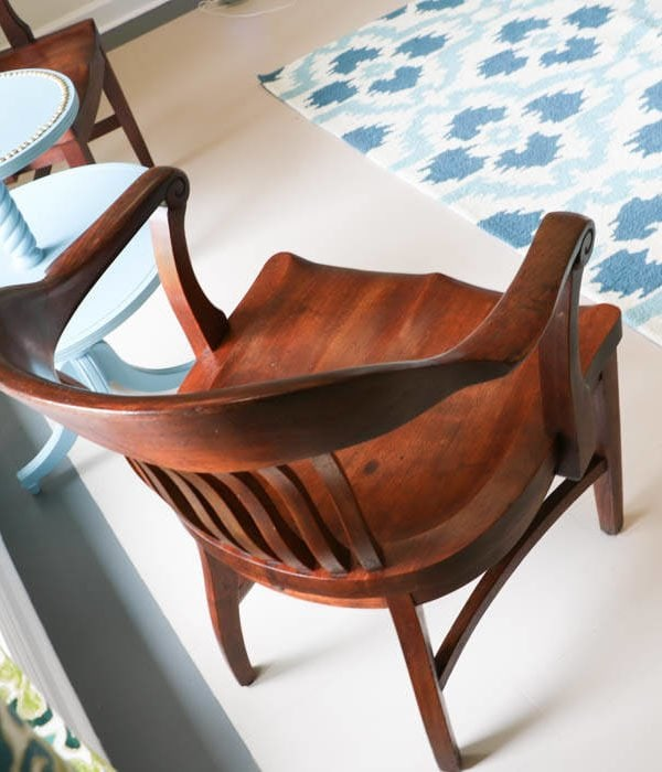 How to Refinish Wood Chairs the Easy Way!
