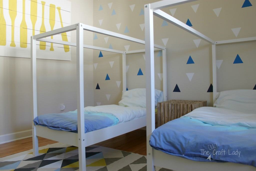 A DIY Coastal Cool twin bedroom, filled with tons of DIY inspiration!