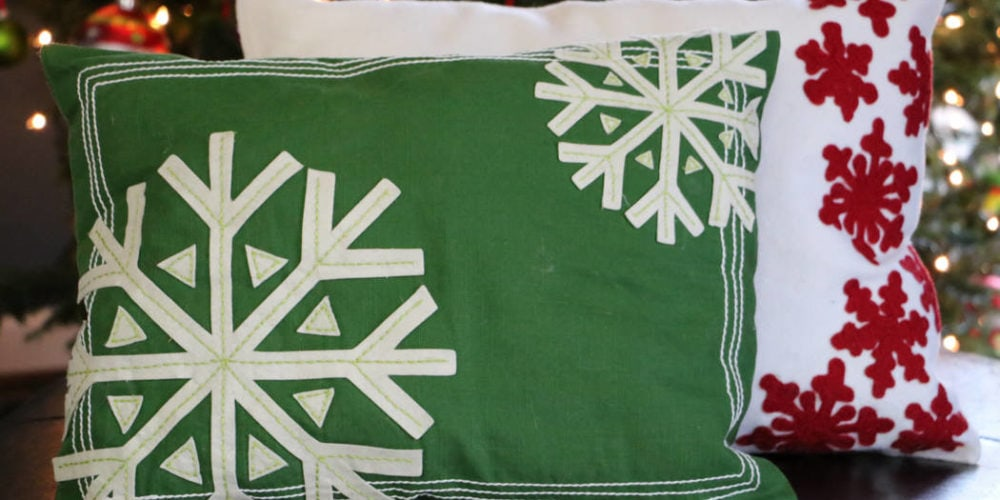 GENIUS! Make your own DIY Christmas pillows out of placemats. Full tutorial from Designer Trapped in a Lawyer's Body.