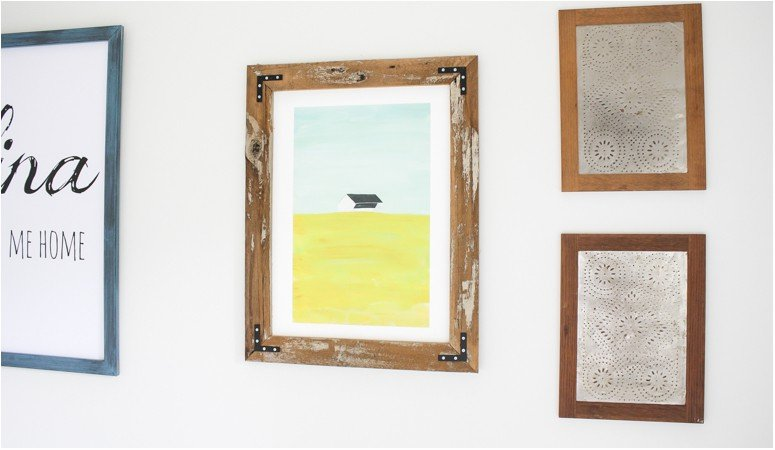 Love this DIY picture frame tutorial! So, so smart to use reclaimed wood or pallets for that rustic look! This blogger used an old fence she tore down. Can't wait to try it.