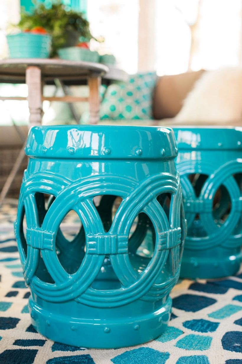 I love the pops of color in these! They go great outdoors! designertrapped.com