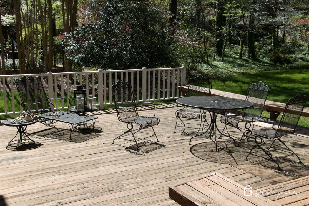 WOW! I love this outdoor dining space and it was made beautiful on a very small budget!