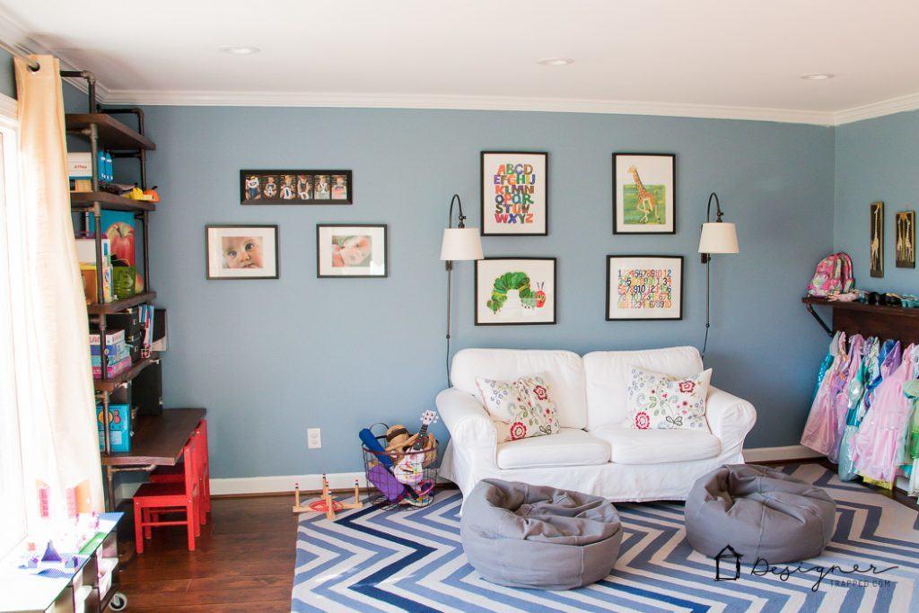 Phòng chơi của trẻ em không cần phải quá dễ thương. Có rất nhiều lựa chọn trang trí phòng chơi mà cả trẻ em và người lớn đều yêu thích. Căn phòng này là một ví dụ tuyệt vời!
