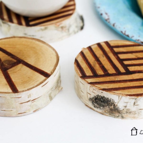 LOVE! These DIY coasters look so easy to make and you can use whatever patterns or letters you want. Quick, easy and affordable gift idea!