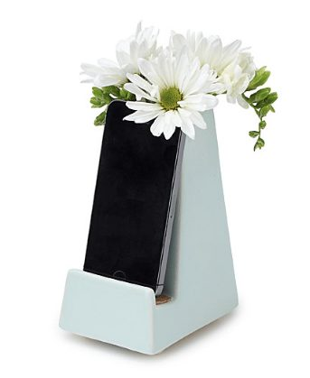 vase phone dock
