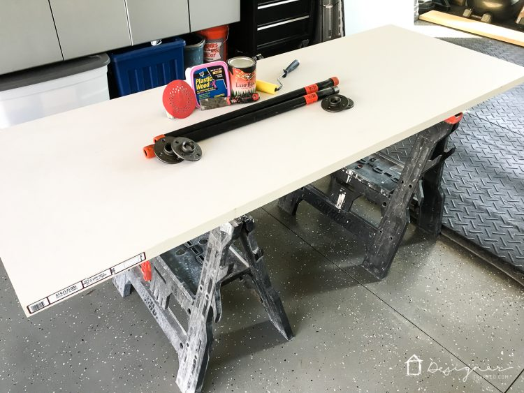 Best and most clever DIY pipe desk tutorial I have seen! Such an affordable way to make any pipe desk or pipe table. Can't wait to show my husband so we can do it!