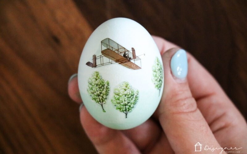 Easter egg decorating can be easy and fun, even if you are not artistic AT ALL. Learn how to decorate Easter eggs with temporary tattoos with this simple tutorial.