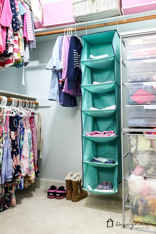 organized girls closet
