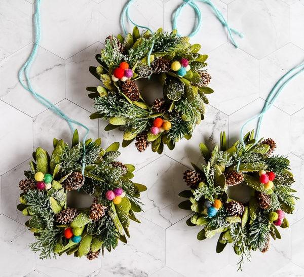 The Cutest Mini Wreaths for Christmas