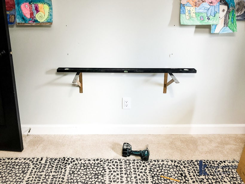 leveling shelf brackets