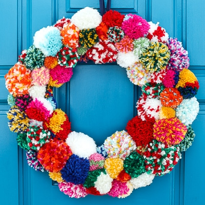DIY pompom wreath