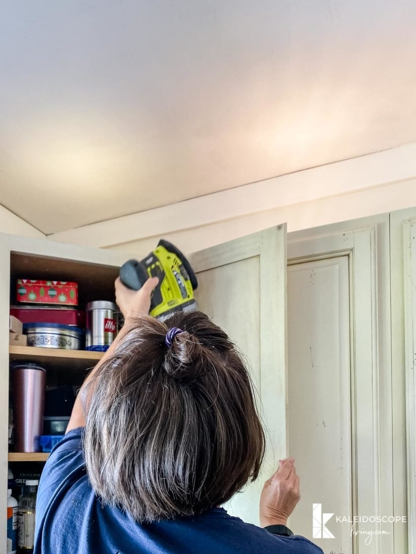 scuff sanding cabinets to prepare for painting