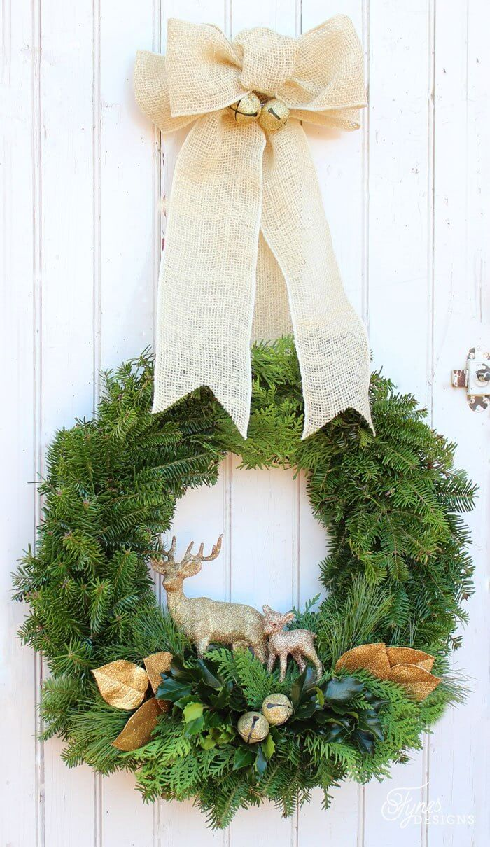 natural wreath with gold details