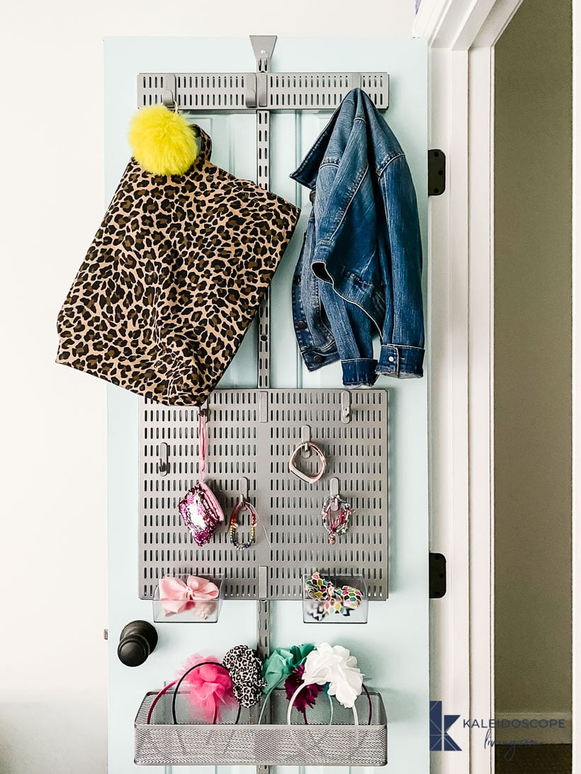 closet door organization