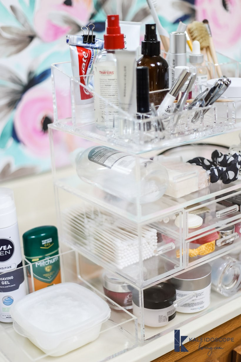 bathroom organization and storage perfect for small spaces