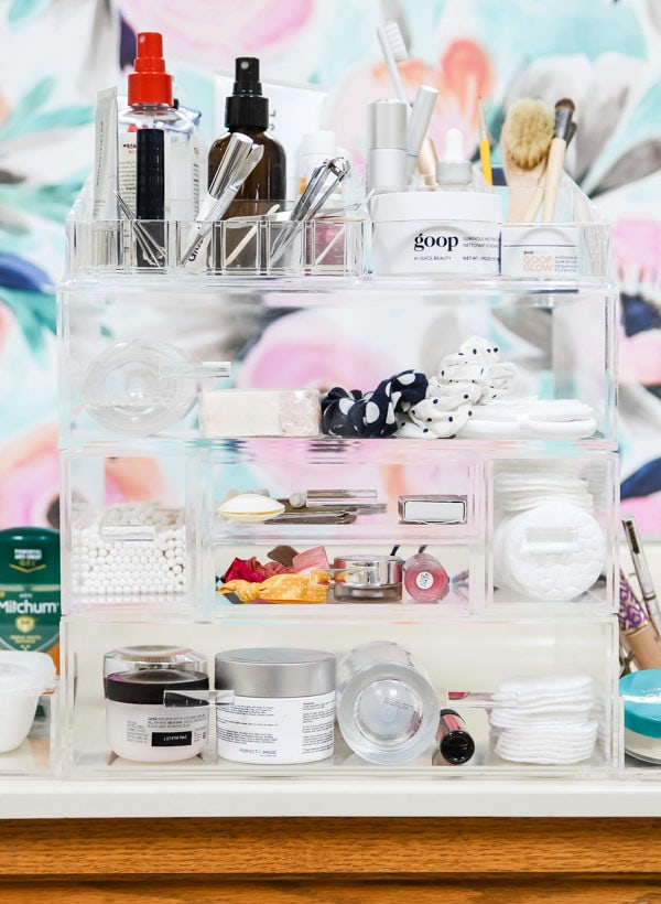New Bathroom Organization & Storage That's Pretty and Functional!