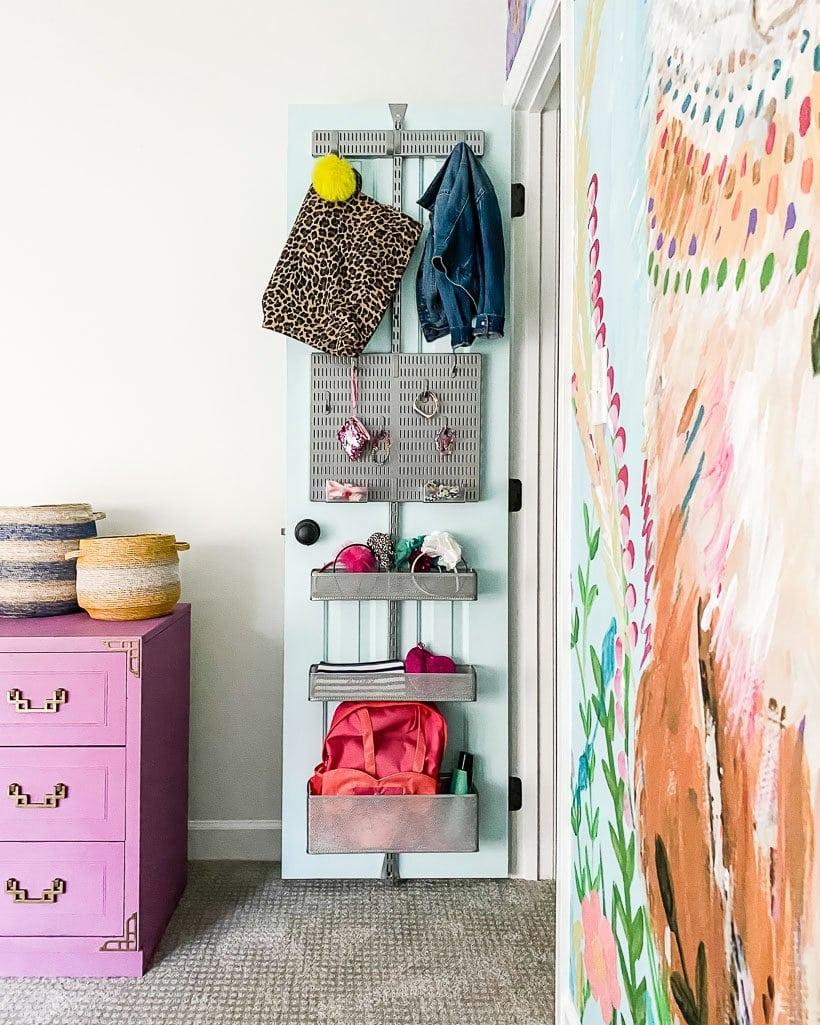 girl's closet door organization